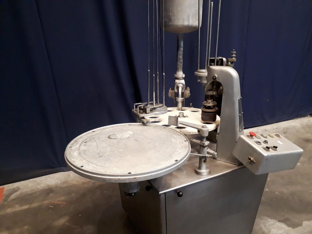 Hamba 2400 Beker vul/sluit machines
