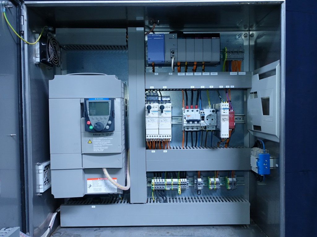 Machinehandel Lekkerkerker Control panel High pressure homogenisers