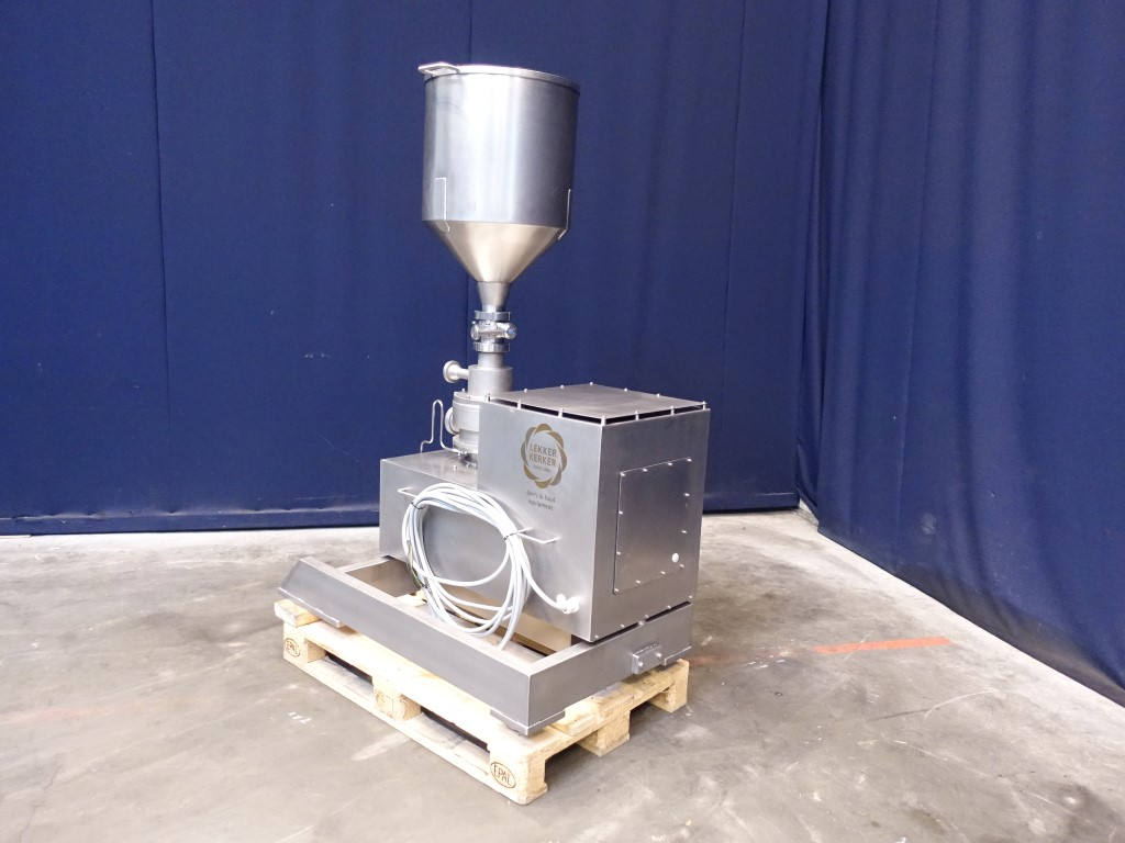 Ytron XC-215 Powder dissolvers