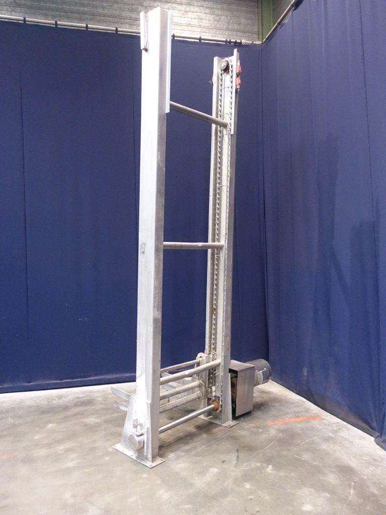 N.N. Elevator for normcar trolleys Miscellaneous Equipment