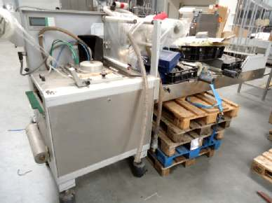 Meca System 2002 Vacuum form/filling and sealing machine