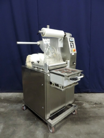 Meca System 900 Vacuum form/filling and sealing machine