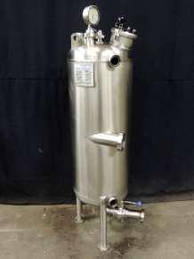EAU + EXTRAIT VEGETAL Storage tanks