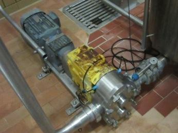 Waukesha U1 size 130 Lobe rotary pumps